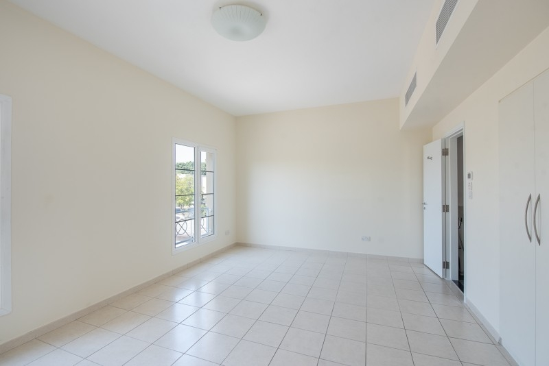 4 Bedroom Villa For Rent in  Deema 1,  The Lakes   14