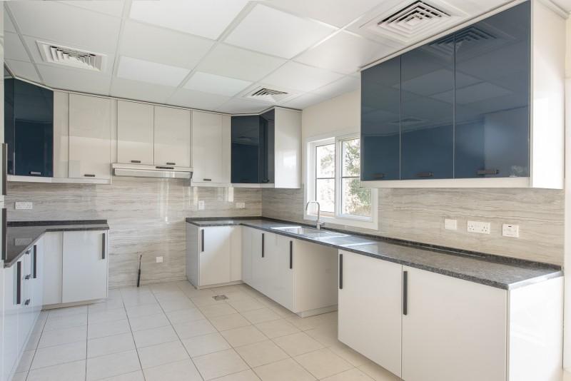4 Bedroom Villa For Rent in  Deema 1,  The Lakes   1
