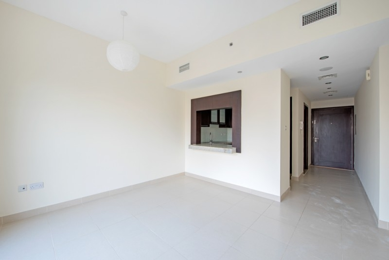 Studio Apartment For Rent in  Mosela Waterside Residences,  The Views   0