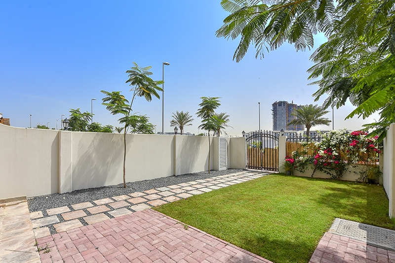 4 Bedroom Townhouse For Rent in  Bachour Villas,  Jumeirah Village Circle   9