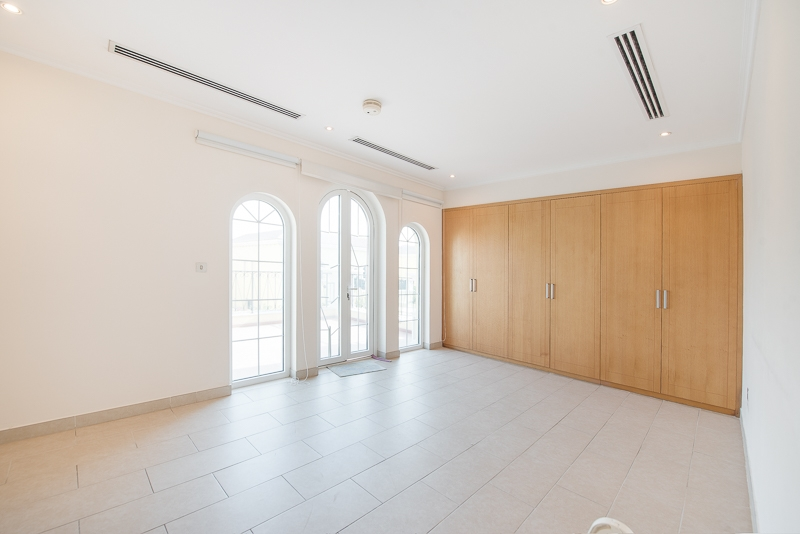 3 Bedroom Villa For Rent in  Legacy Large,  Jumeirah Park | 5