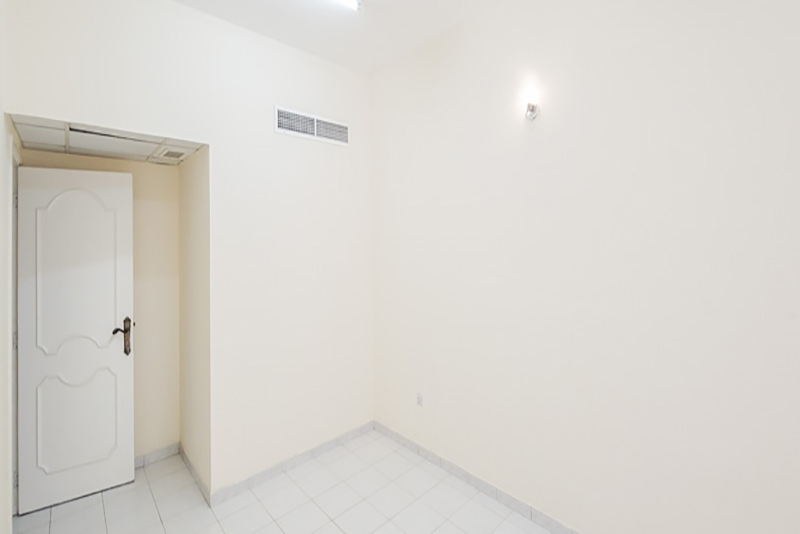 2 Bedroom Apartment For Rent in  Naif,  Deira   0