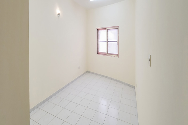 2 Bedroom Apartment For Rent in  Naif,  Deira   5