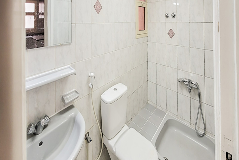 2 Bedroom Apartment For Rent in  Naif,  Deira   4
