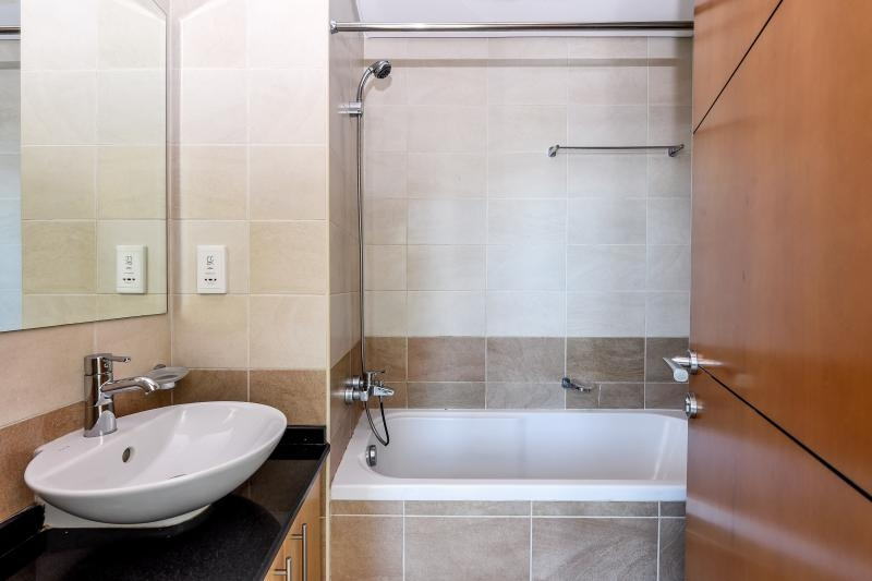 2 Bedroom Apartment For Rent in  Ocean Heights,  Dubai Marina   9
