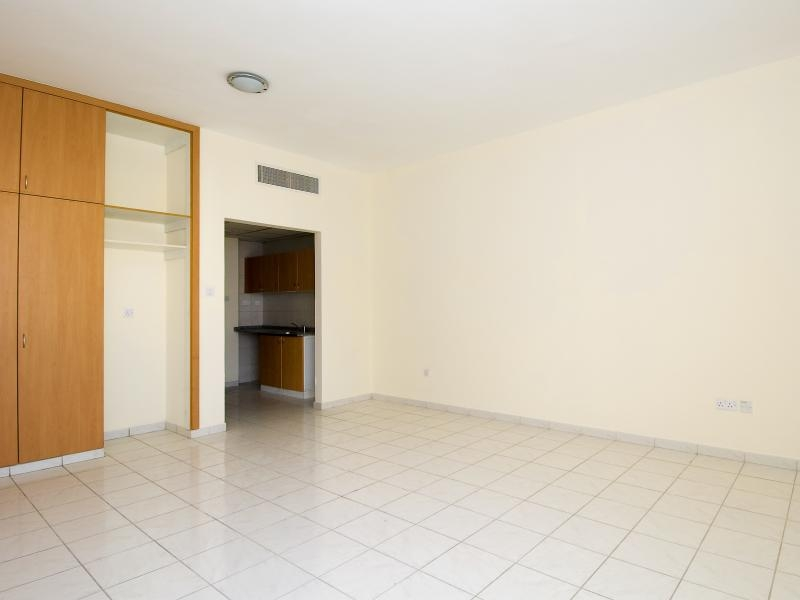 Studio Apartment For Rent in  Italy,  International City   1