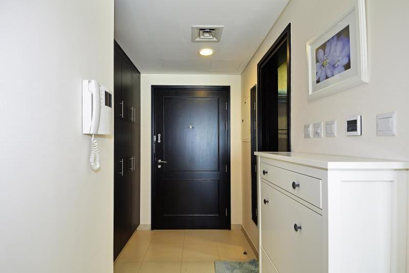 Studio Apartment For Rent in  The Royal Oceanic,  Dubai Marina | 6