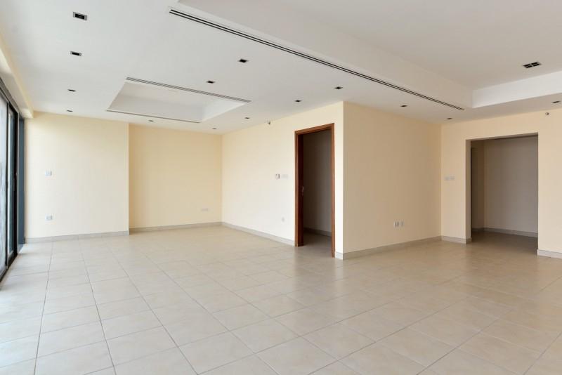 3 Bedroom Apartment For Rent in  Al Ghazal Tower,  Al Khan | 4