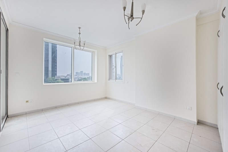 2 Bedroom Apartment For Rent in  Al Meraikhi Tower 2,  Deira   5