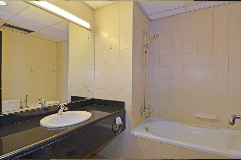 1 Bedroom Apartment For Rent in  Building 38 To Building 107,  Discovery Gardens   6