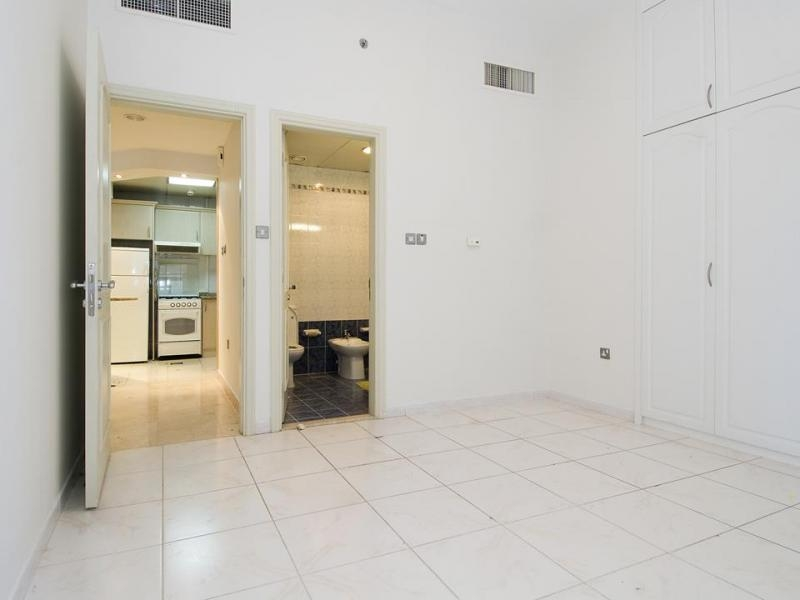 1 Bedroom Apartment For Rent in  Al Meraikhi Tower,  Sheikh Zayed Road | 1