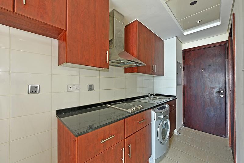 Studio Apartment For Rent in  Lake View Tower,  Jumeirah Lake Towers | 4