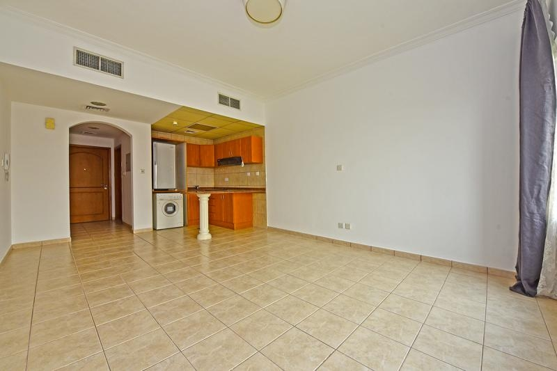 Studio Apartment For Rent in  Building H,  Green Community   0