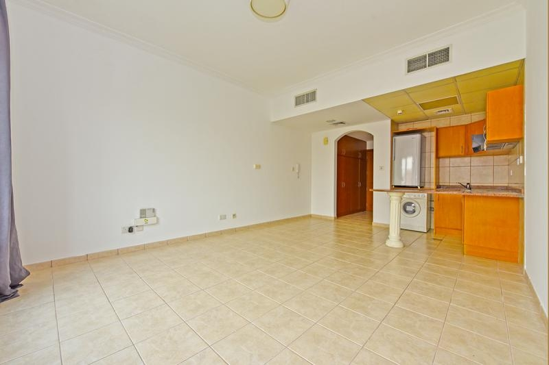 Studio Apartment For Rent in  Building H,  Green Community   5