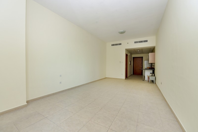 Studio Apartment For Rent in  Palace Tower 2,  Dubai Silicon Oasis | 1