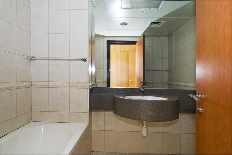 4 Bedroom Apartment For Rent in  Horizon Tower,  Dubai Marina   6