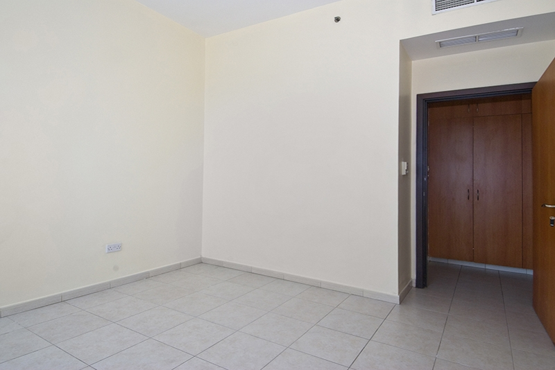 4 Bedroom Apartment For Rent in  Horizon Tower,  Dubai Marina   8
