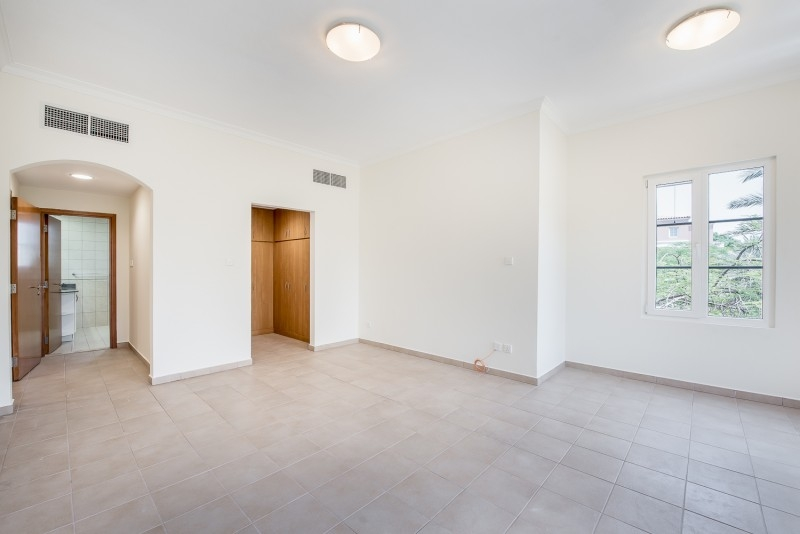 2 Bedroom Apartment For Rent in  Building J,  Green Community   4