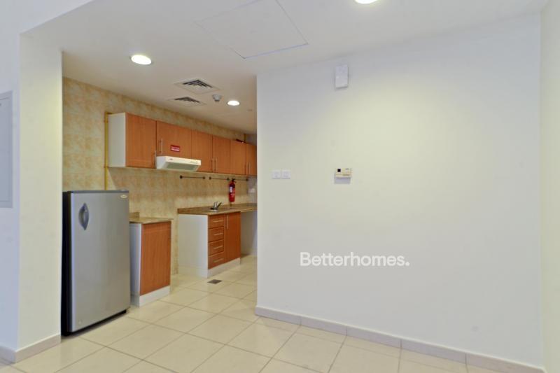 Studio Apartment For Rent in  Emirates Garden 1,  Jumeirah Village Circle   4
