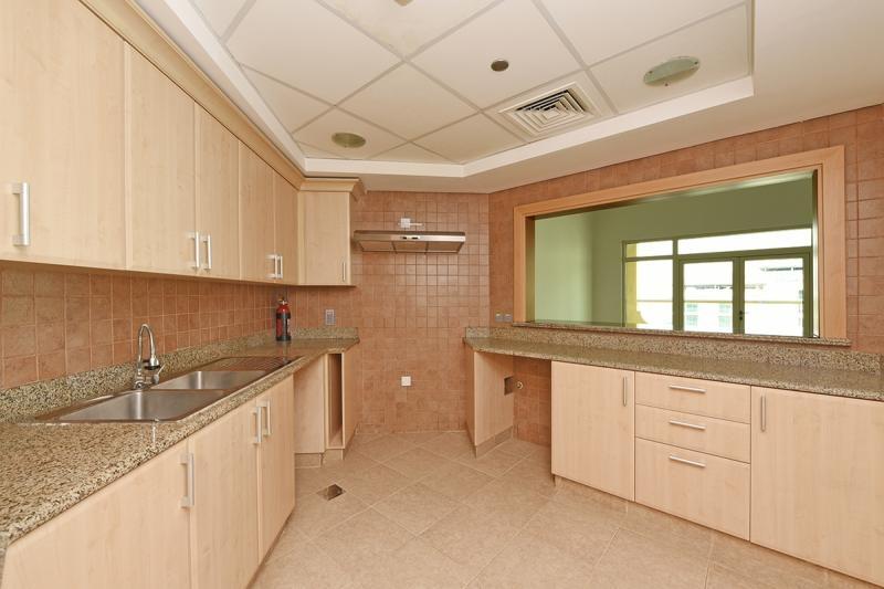 2 Bedroom Apartment For Rent in  Al Basri,  Palm Jumeirah | 4