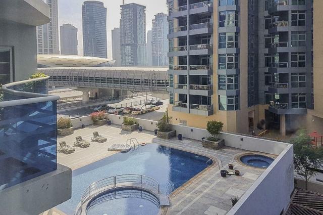 Cascades, Dubai Marina