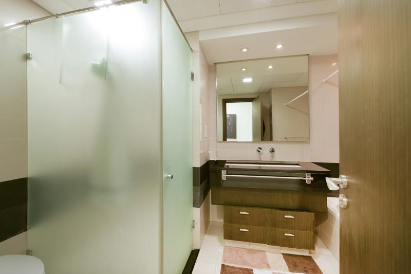 2 Bedroom Apartment For Rent in  Lofts West,  Downtown Dubai   8
