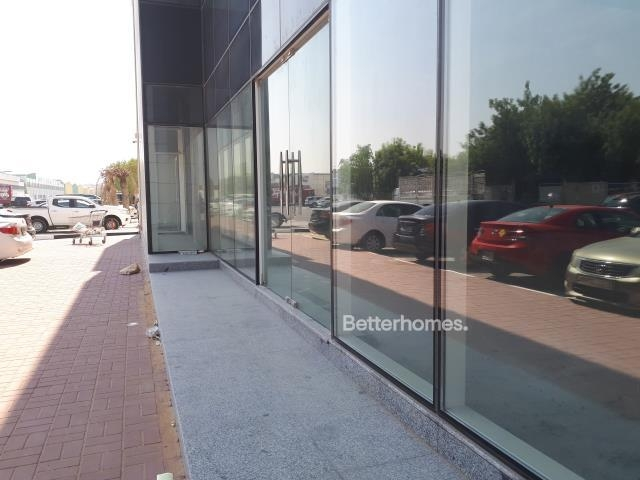 shell & core show room for rent in sheikh zayed road, rawabeh building | 3