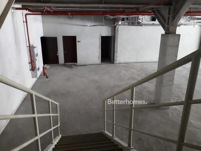 shell & core show room for rent in sheikh zayed road, rawabeh building | 8