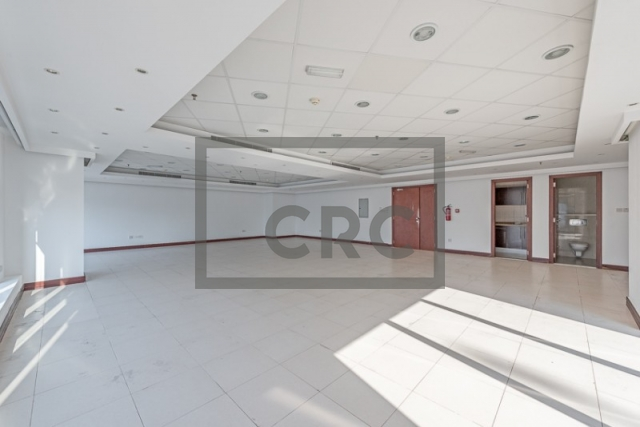 semi-furnished office for rent in deira, business point   1