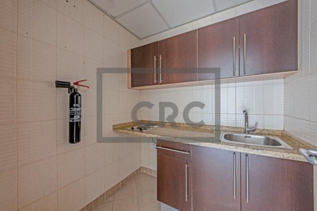 semi-furnished office for rent in deira, business point   2