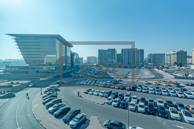 semi-furnished office for rent in deira, business point   7
