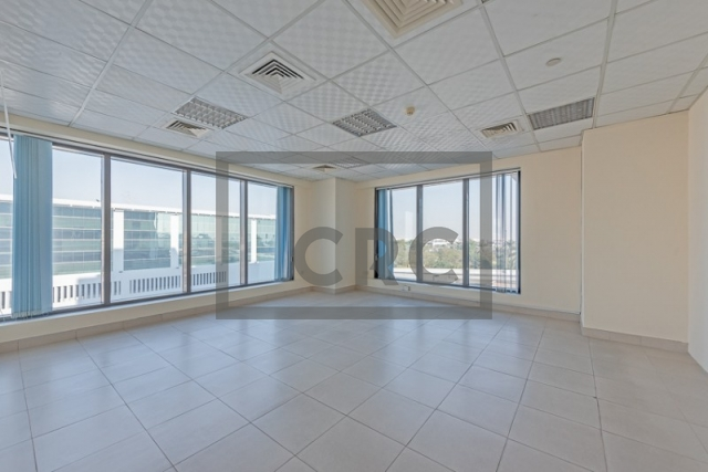 semi-furnished office for rent in deira, business point | 4