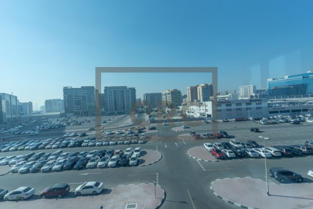 semi-furnished office for rent in deira, business point | 9