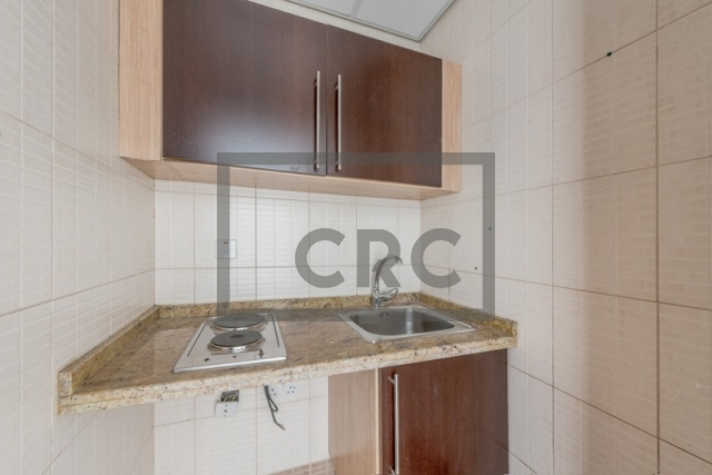semi-furnished office for rent in deira, business point | 7