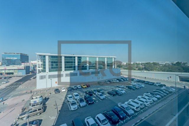 semi-furnished office for rent in deira, business point | 8