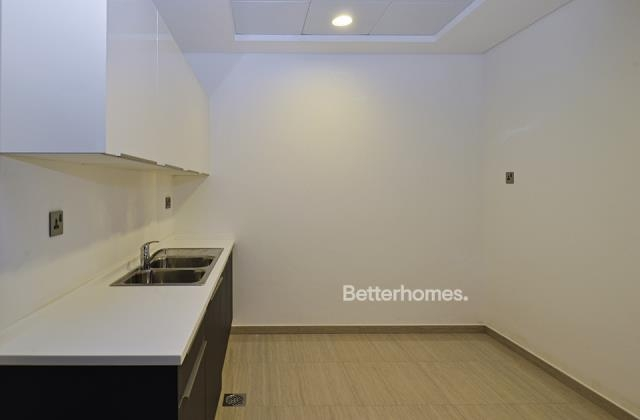 semi-furnished and shell & core office for rent in sheikh zayed road, burj al salam | 4