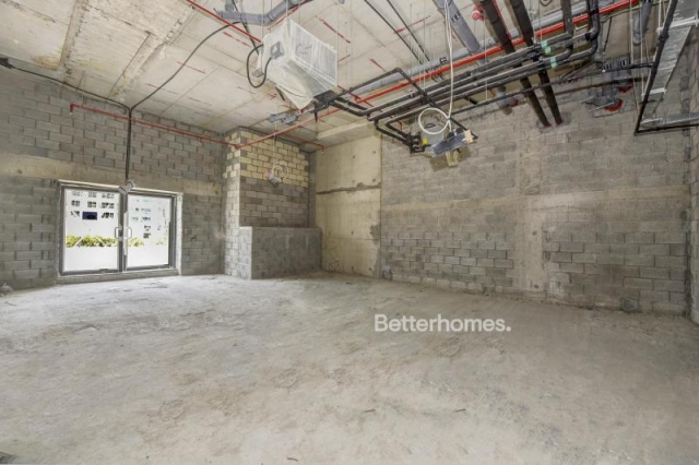 1,037 sq.ft. Retail in Jumeirah Village Circle, Plaza Residences for AED 165,900