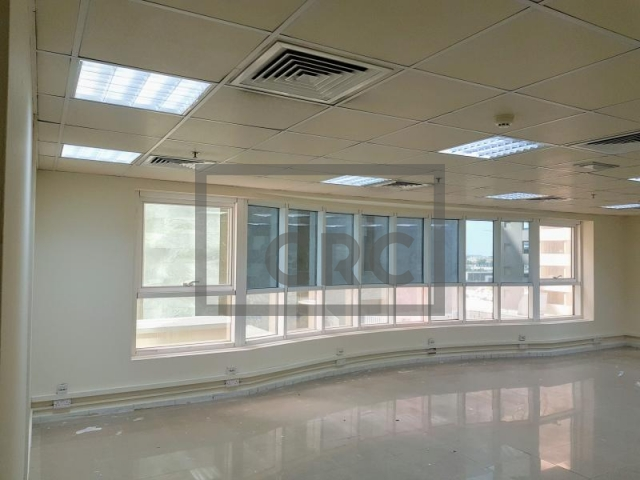 975 sq.ft. Office in Sheikh Zayed Road, Al Manal Tower for AED 97,500