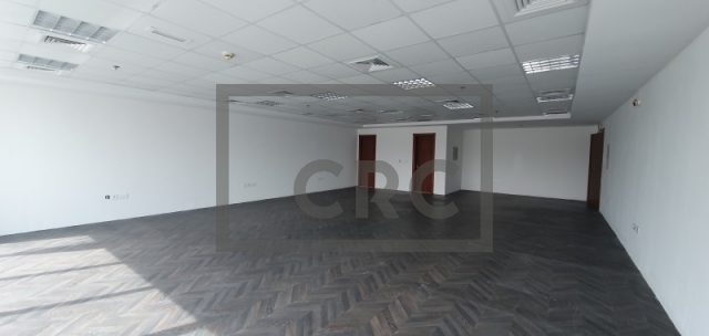 1,138 sq.ft. Office in Deira, Sapphire Tower for AED 73,970
