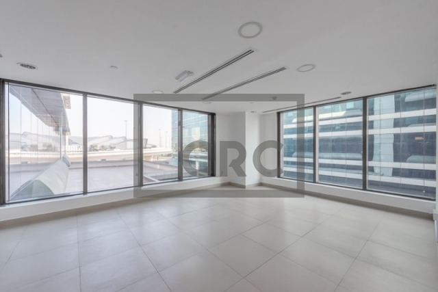 1,293 sq.ft. Office in Deira, Business Point for AED 84,045