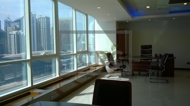1,044 sq.ft. Office in Jumeirah Lake Towers, Fortune Tower for AED 85,000