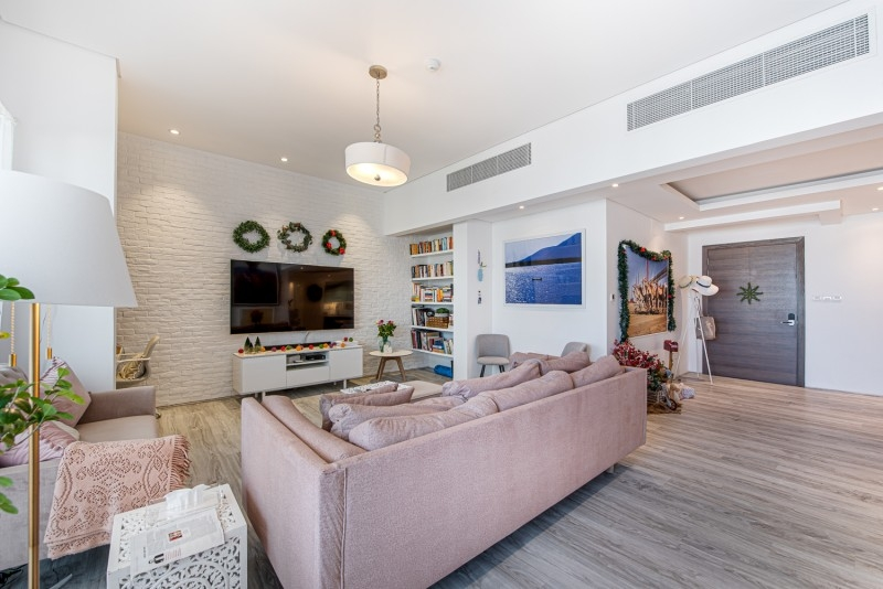 3 Bedroom Apartment For Sale in  J5,  Sufouh | 4