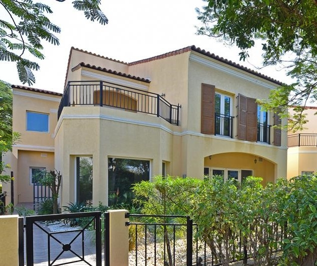 3 Bedroom Townhouse For Sale in  Townhouses Area East,  Green Community | 0