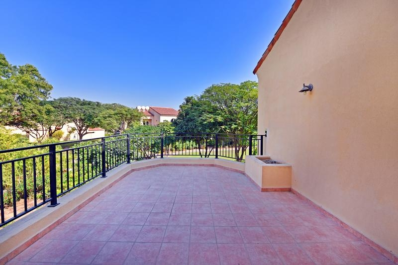 3 Bedroom Townhouse For Sale in  Townhouses Area East,  Green Community | 1