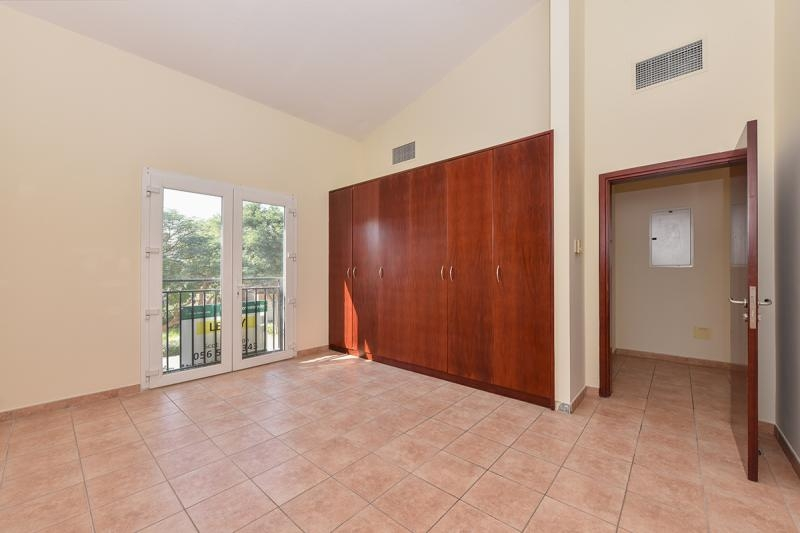3 Bedroom Townhouse For Sale in  Townhouses Area East,  Green Community | 7