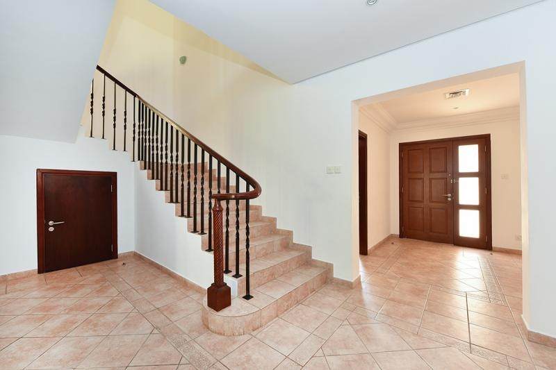 3 Bedroom Townhouse For Sale in  Townhouses Area East,  Green Community | 8
