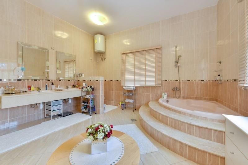 5 Bedroom Villa For Sale in  Al Safa 1,  Al Safa   12
