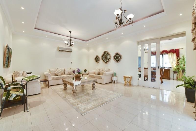 5 Bedroom Villa For Sale in  Al Safa 1,  Al Safa   2