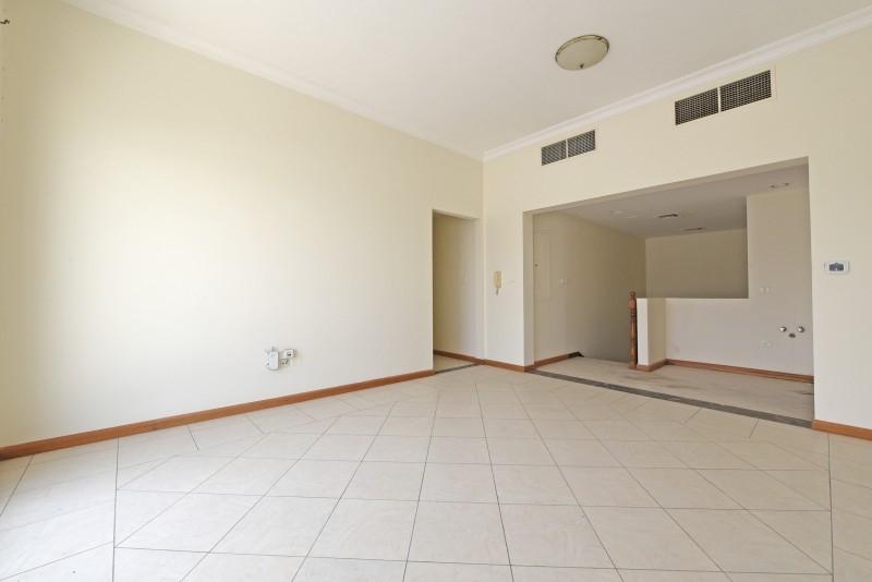 5 Bedroom Villa For Sale in  Umm Suqeim 3,  Umm Suqeim | 10