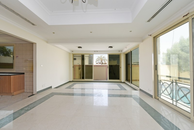 5 Bedroom Villa For Sale in  Umm Suqeim 3,  Umm Suqeim | 11